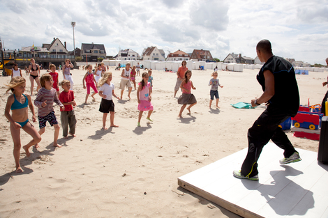 Beach Entertainment and Sporting Activities